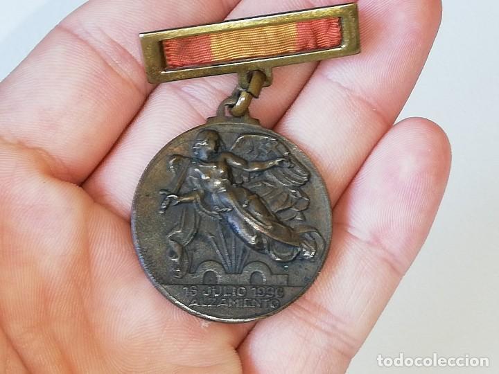 Militaria: ANTIGUA MEDALLA GUERRA CIVIL ESPAÑOLA - ALZAMIENTO 18 JULIO 1936 - VICTORIA 1 ABRIL 1939 MONTEAGUT - Foto 13 - 218695461