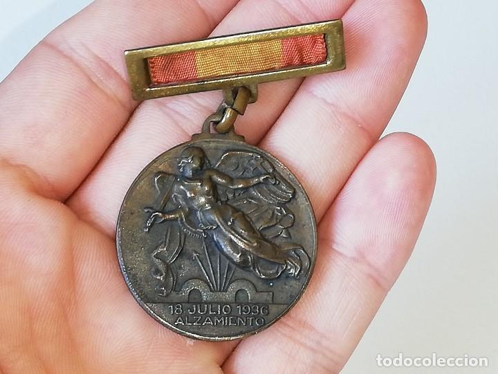 Militaria: ANTIGUA MEDALLA GUERRA CIVIL ESPAÑOLA - ALZAMIENTO 18 JULIO 1936 - VICTORIA 1 ABRIL 1939 MONTEAGUT - Foto 14 - 218695461
