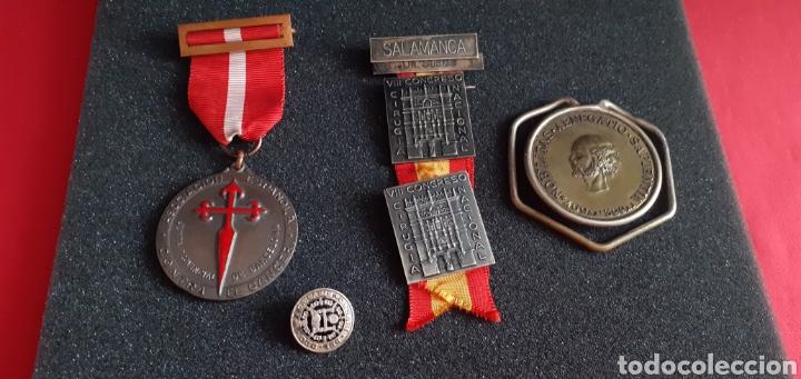 LOTE 2 MEDALLA Y PINS .VER FOTOS (Militar - Medallas Españolas Originales )