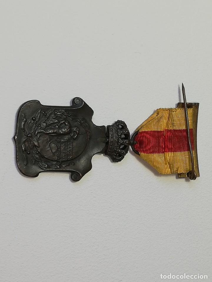 Militaria: ANTIGUA MEDALLA ALFONSO XIII HOMENAJE DE LOS AYUNTAMIENTOS A LOS REYES AÑO 1925 - 23 ENERO 1925 - Foto 7 - 218715268