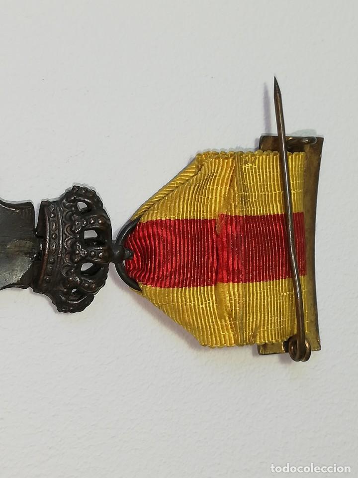Militaria: ANTIGUA MEDALLA ALFONSO XIII HOMENAJE DE LOS AYUNTAMIENTOS A LOS REYES AÑO 1925 - 23 ENERO 1925 - Foto 10 - 218715268