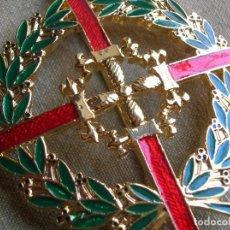 Militaria: MUY BELLA LAUREADA DE SAN FERNANDO. ENGANCHES PARA COSTURAS EN LA GUERRERA. 7 CM X 7 CM. CURVADA.. Lote 221338867