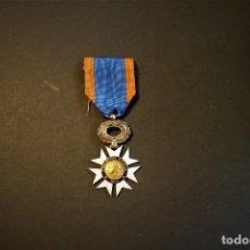 Militaria: MEDALLA DE LA EDUCACIÓN CÍVICA. FRANCIA. 1933. Lote 221944446