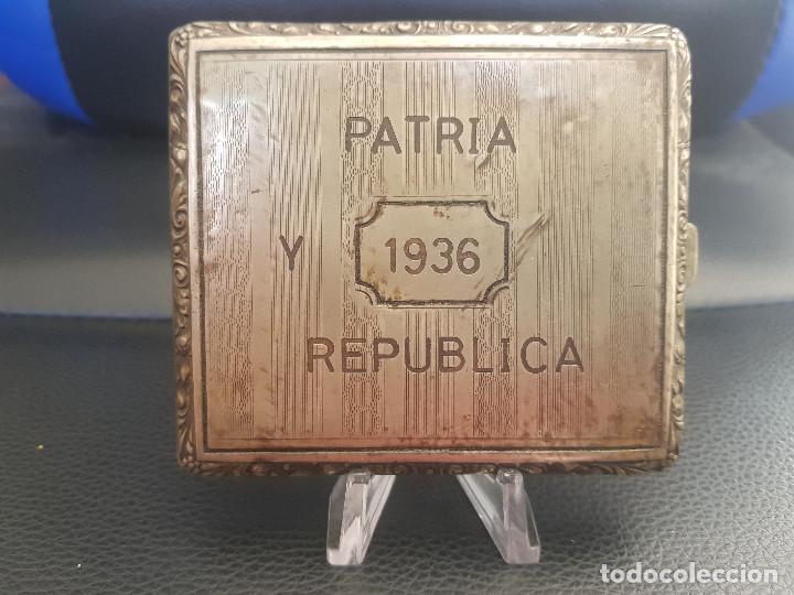 ANTIGUA PITILLERA DE LA REPUBLICA PATRIA Y REPUBLICA (Militar - Medallas Españolas Originales )