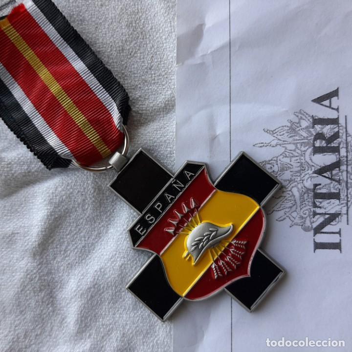 CRUZ DE EXCOMBATIENTES DE LA DIVISIÓN AZUL (Militar - Reproducciones y Réplicas de Medallas )