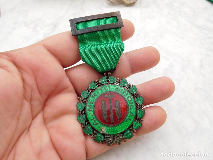 MEDALLA AL MÉRITO SINDICAL (Militar - Medallas Españolas Originales )