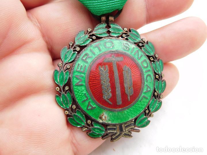 Militaria: Medalla al mérito sindical - Foto 4 - 222676523