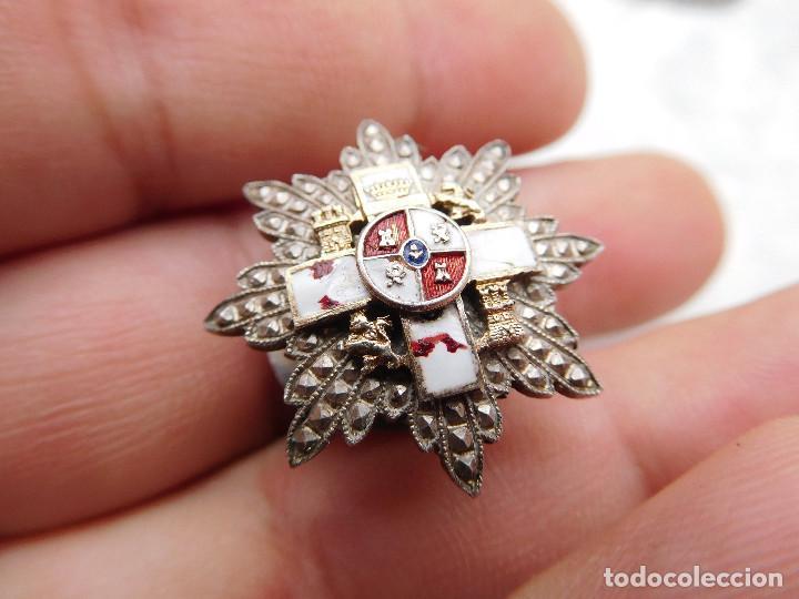 Militaria: Insignia de solapa placa del mérito militar distintivo blanco pensionado. Castells - Foto 2 - 222677390