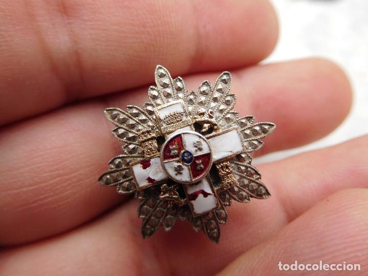Militaria: Insignia de solapa placa del mérito militar distintivo blanco pensionado. Castells - Foto 3 - 222677390