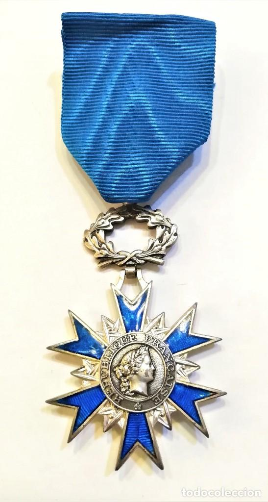 Militaria: Francia-Orden Nacional de Merito-Cruz de Caballero en plata y esmaltes, con su cinta original - Foto 2 - 224735790