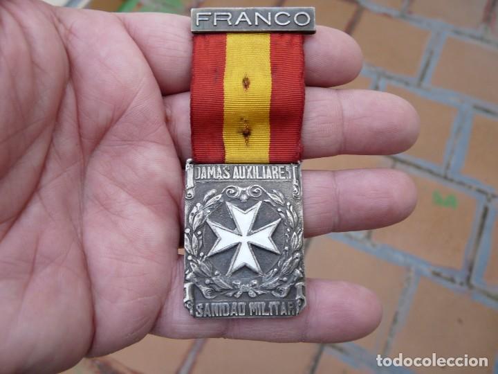 Militaria: MEDALLA DAMAS AUXILIARES SANIDAD MILITAR - PRENDEDOR FRANCO - Foto 2 - 224809151
