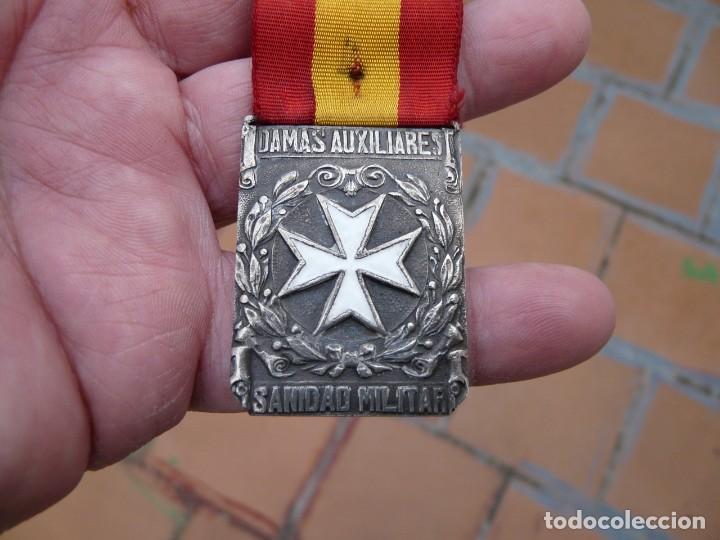 Militaria: MEDALLA DAMAS AUXILIARES SANIDAD MILITAR - PRENDEDOR FRANCO - Foto 3 - 224809151