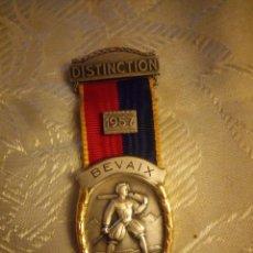 Militaria: MEDALLA DISTINCTION BEVAIX 1957 ,PAUL KRAMER. Lote 225560445
