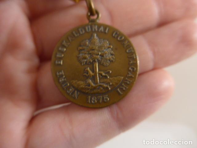 Militaria: Antigua medalla carlista vasca del arbol de gernika, 1875, original. - Foto 7 - 231394840