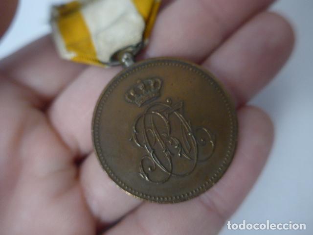 Militaria: Antigua medalla de bronce de isabel la catolica alfonsina, original, alfonso XIII. - Foto 6 - 234772810