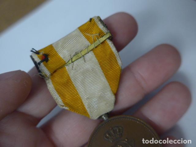 Militaria: Antigua medalla de bronce de isabel la catolica alfonsina, original, alfonso XIII. - Foto 7 - 234772810