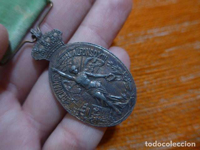 Militaria: Antigua medalla de marruecos con pasador Ceuta. Original, guerra de africa. - Foto 5 - 234808100