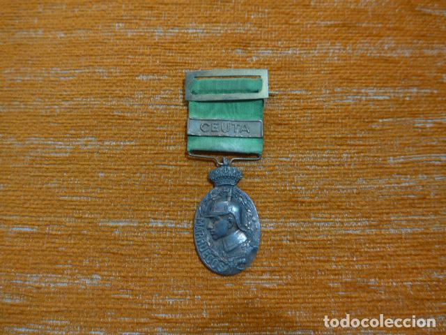 ANTIGUA MEDALLA DE MARRUECOS CON PASADOR CEUTA. ORIGINAL, GUERRA DE AFRICA. (Militar - Medallas Españolas Originales )