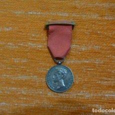 Militaria: ANTIGUA MEDALLA DE LA MAYORIA DE EDAD DE ALFONSO XIII, 1902, ORIGINAL.. Lote 234810300