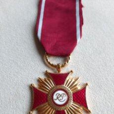 Militaria: WWII. POLONIA. CRUZ AL MÉRITO. PRIMERA CATEGORÍA. MODELO 1923.. Lote 235098595
