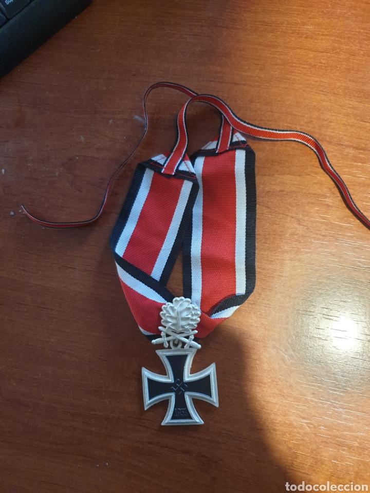 REPRODUCCIÓN CRUZ DE HIERRO CON HOJAS DE ROBLE Y ESPADAS. NO PLATA (Militar - Reproducciones y Réplicas de Medallas )