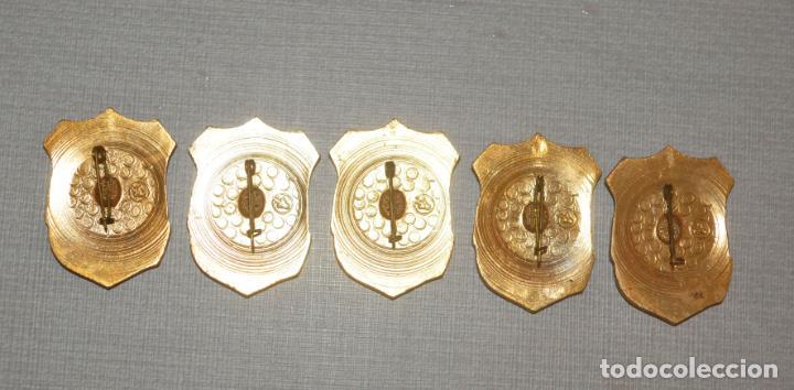 Militaria: Lote cinco insignias .Voluntario.Ministerio interios URSS - Foto 2 - 237443900