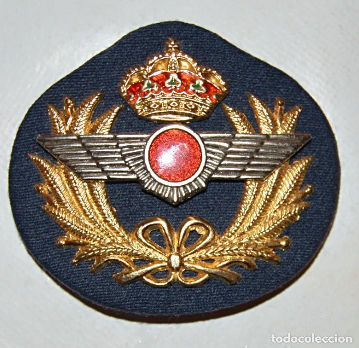 EJERCITO DEL AIRE - ANTIGUO EMBLEMA PARA GORRA (Militar - Medallas Españolas Originales )