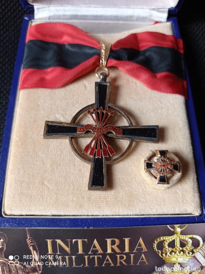 ORDEN DEL YUGO Y FLECHAS CON MINIATURA (Militar - Medallas Españolas Originales )