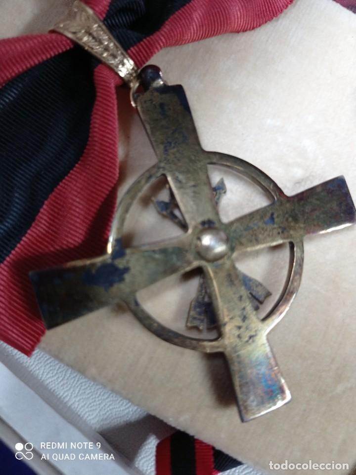 Militaria: Orden del Yugo y Flechas con miniatura - Foto 5 - 243389895