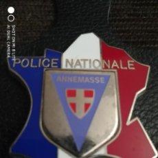 Militaria: PLACA INSIGNIA DE LA POLICIA NACIONAL DESTINO ANNAMASSE FRONTERA SUIZA DISTINTIVO POLICIAL DE ITALIA. Lote 243791900