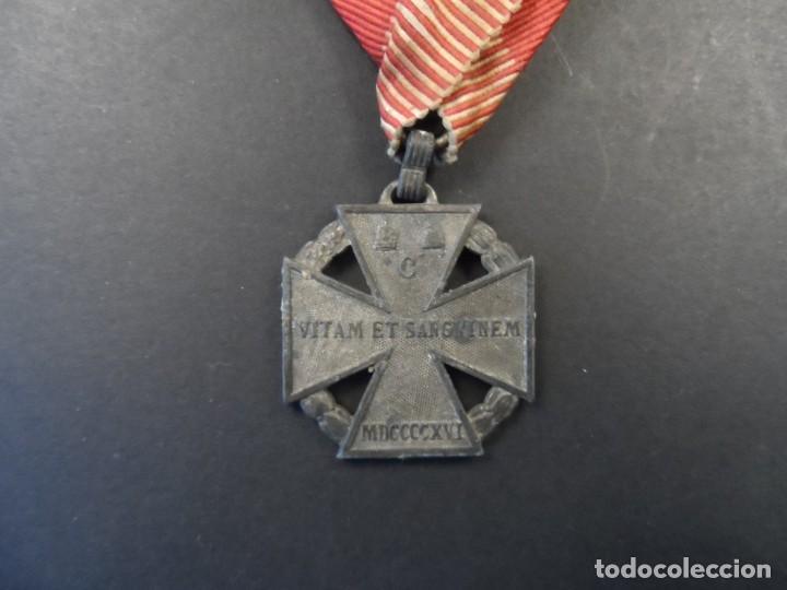 MEDALLA CRUZ DE TROPA DEL EMPERADOR CARLOS I. KARL TRUPPENKREUZ. AUSTROHUNGARA. AÑO 1916 (Militar - Medallas Internacionales Originales)