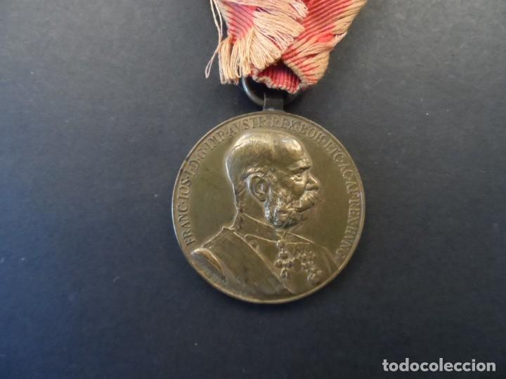 MEDALLA SIGNUM MEMORIAE.50 AÑOS DE REINADO DEL EMPERADOR FRANCISCO JOSE I. AUSTRO-HUNGRIA. AÑO 1898 (Militar - Medallas Internacionales Originales)