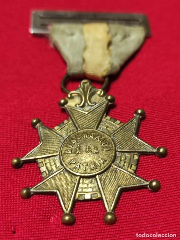 Militaria: Cruz de benemérito a la Patria - Foto 3 - 252870590