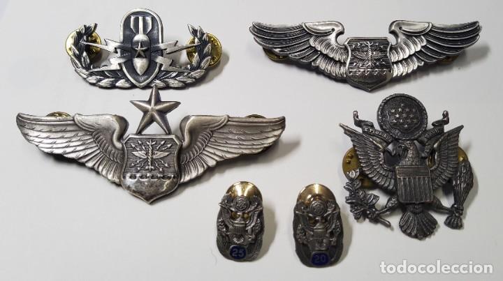 INSIGNIAS DE VETERANO DE LAS FUERZAS AEREAS U.S.A.EN LAS GUERRAS DE COREA Y VIETNAM. (Militar - Medallas Internacionales Originales)