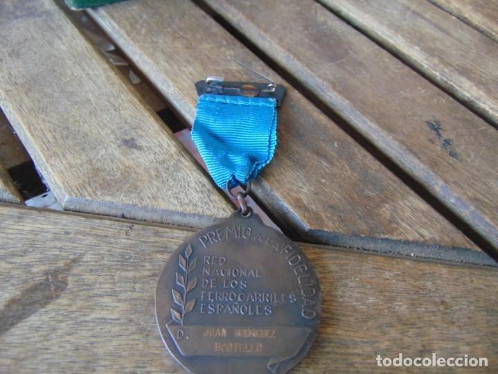Militaria: MEDALLA, PLACA Y CAJA CATEGORÍA BRONCE AÑO 1965 RENFE RED NACIONAL DE FERROCARRILES ESPAÑOLES - Foto 16 - 252980945