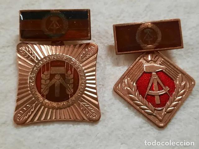 2 INSIGNIAS O MEDALLAS ALEMANAS (Militar - Medallas Internacionales Originales)