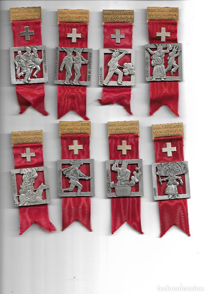 BONITA COLECCION ANTIGUA DE MEDALLAS DE TRAJES POPULARES EN PERFECTO ESTADO (Militar - Medallas Internacionales Originales)