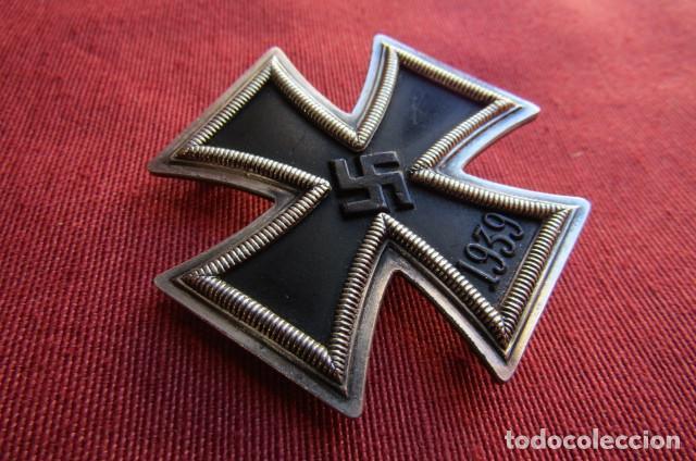 Militaria: Medalla alemana II segunda guerra mundial Cruz de Hierro de I primera clase III tercer Reich alemán - Foto 2 - 260567840