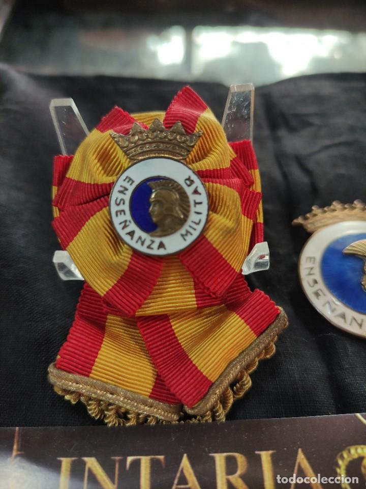 Militaria: 2 distintivo de enseñanza militar española - Foto 2 - 260821080