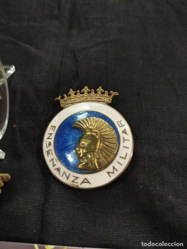 Militaria: 2 distintivo de enseñanza militar española - Foto 3 - 260821080