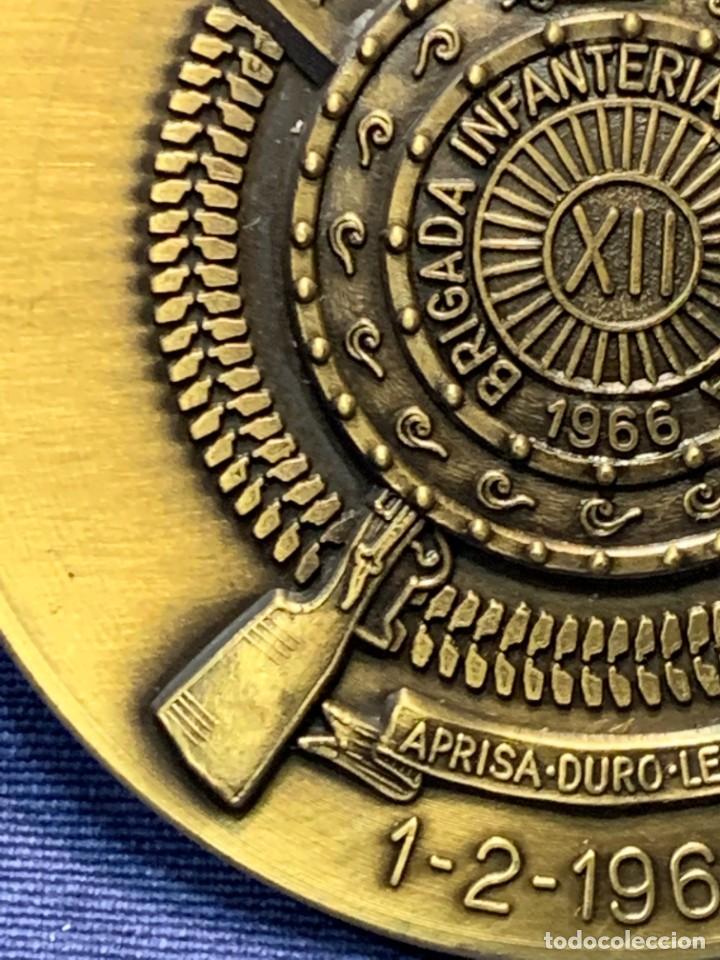 Militaria: MEDALLA XXV ANIVERSARIO BRIAC BRIGADA DE INFANTERIA ACORAZADA XII 1966 1991 APRISA DURO LEJOS 8CMS - Foto 3 - 262440935