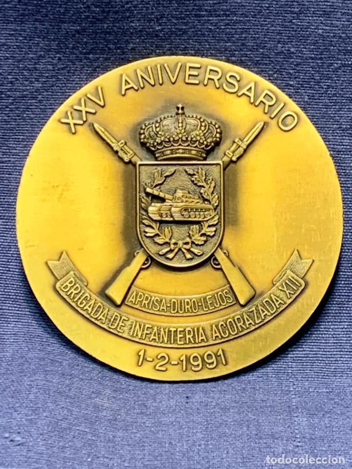 MEDALLA XXV ANIVERSARIO BRIAC BRIGADA DE INFANTERIA ACORAZADA XII 1966 1991 APRISA DURO LEJOS 8CMS (Militar - Medallas Españolas Originales )