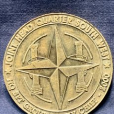 Militaria: MEDALLA CUARTEL GENERAL JOINT HEAD QUARTER SOUTH HQ SPT GROUP SUPPLY CHIEF 2000 8CMS. Lote 262443200