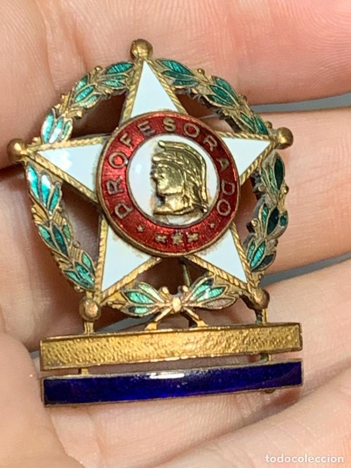 MEDALLA PROFESORADO MILITAR ESMALTES UNA BARRA PERMANENCIA EPOCA FRANCO (Militar - Medallas Españolas Originales )