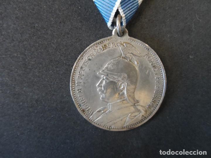 MEDALLA WILHEIM II DEUTSCHER KAISER EN MEMORIA DE MI SERVICIO CON EL EMPERADOR 1910.PLATA. II REICH (Militar - Medallas Internacionales Originales)