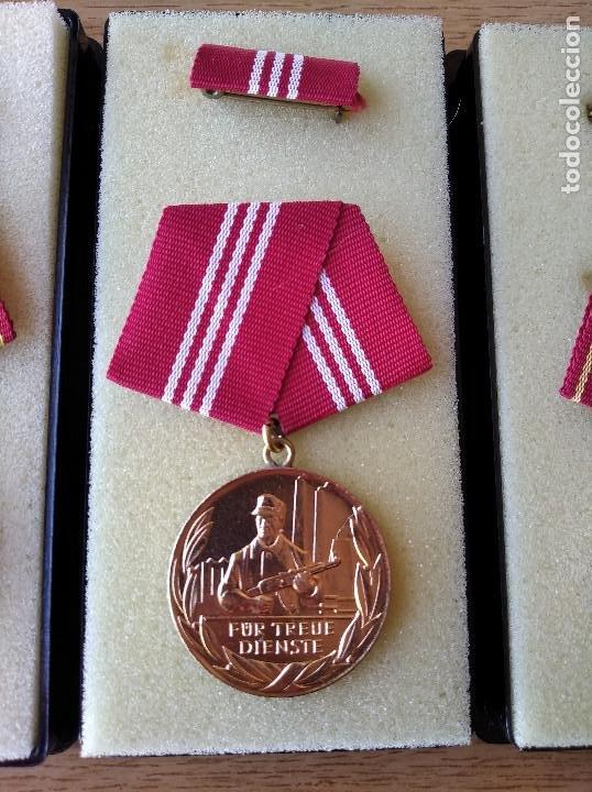 Militaria: Medallas DDR (1949-1990) , colección de 11 medallas originales en muy buen estado. - Foto 7 - 266121483