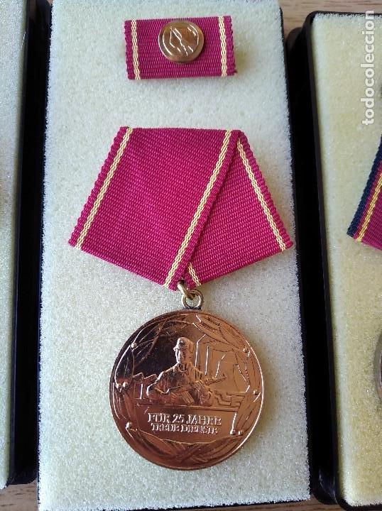 Militaria: Medallas DDR (1949-1990) , colección de 11 medallas originales en muy buen estado. - Foto 9 - 266121483