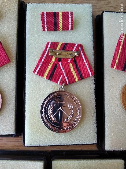 Militaria: Medallas DDR (1949-1990) , colección de 11 medallas originales en muy buen estado. - Foto 26 - 266121483