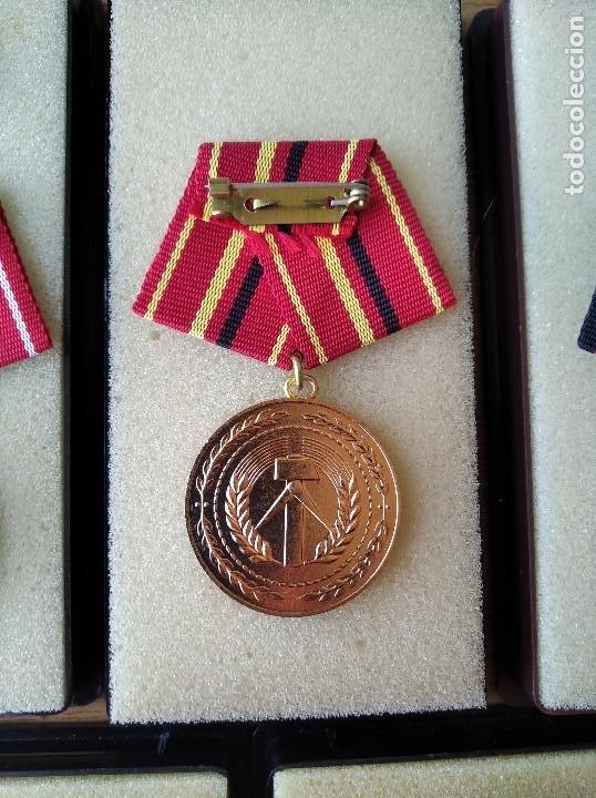 Militaria: Medallas DDR (1949-1990) , colección de 11 medallas originales en muy buen estado. - Foto 27 - 266121483