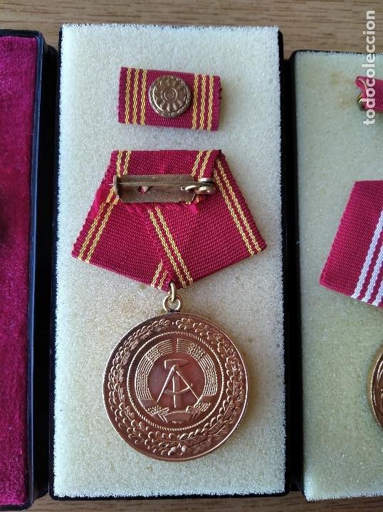 Militaria: Medallas DDR (1949-1990) , colección de 11 medallas originales en muy buen estado. - Foto 32 - 266121483